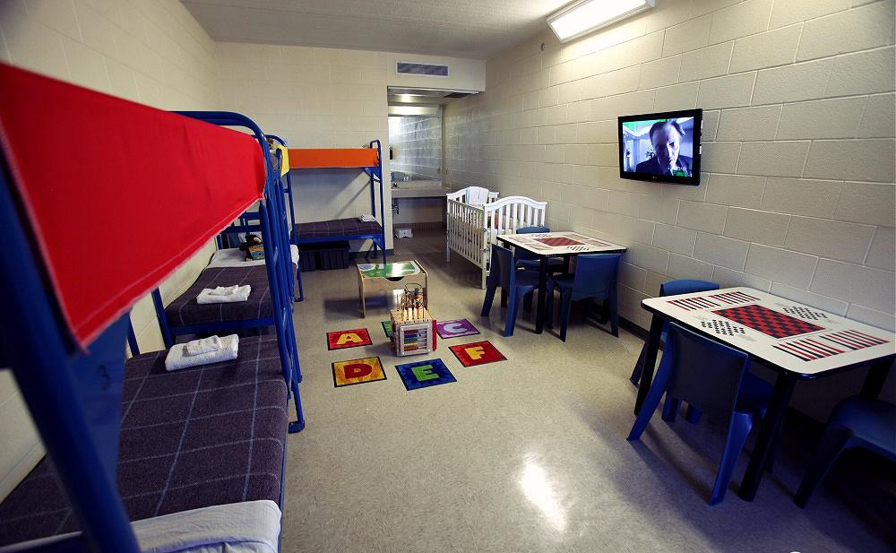 赢众海外解读ICE对家庭拘留的改变是一种进步,但远远不够