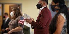 赢众海外解读美国移民服务局取消了特朗普的公民身份测试内容
