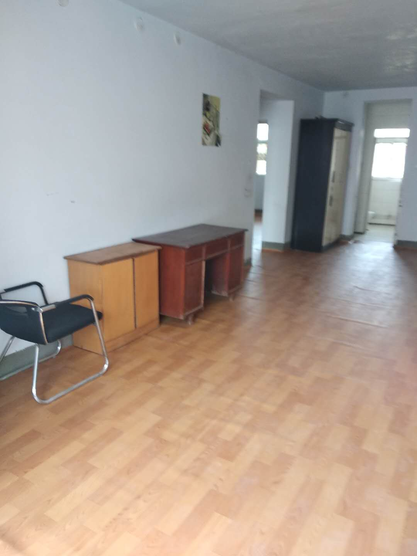 鹤壁新区牟山一区5楼一楼房出租,850每月